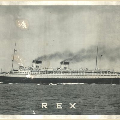 """Reprodukcja fotografii przedstawiającej włoski statek pasażerski """"Rex"""" (sygn. IG R IV 00915)"""